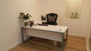 שולחן וכסא מנהלים